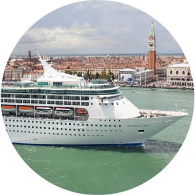 Schiff in Venedig