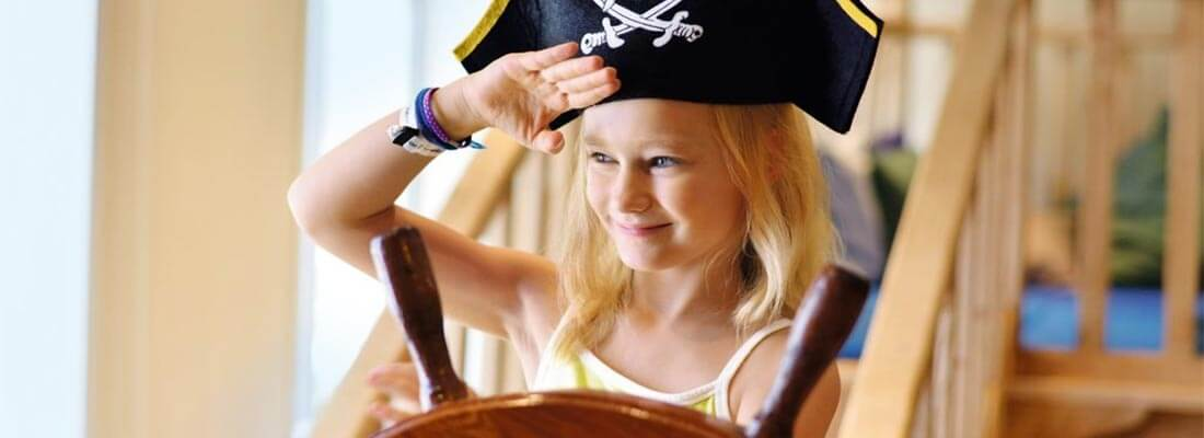 Kreuzfahrten Familien TUI Cruises Pirat Kind