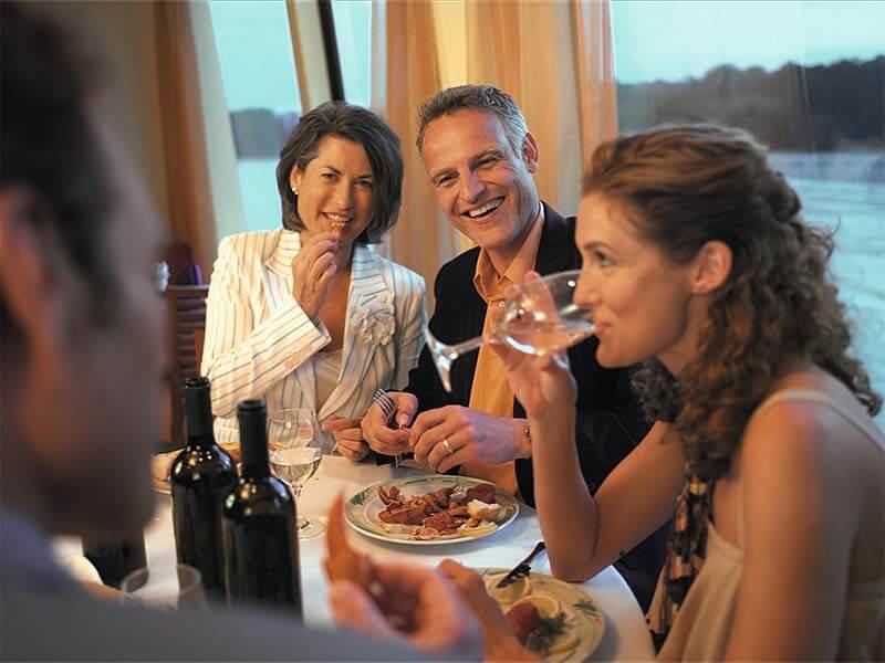 Reedereien A-ROSA Flusskreuzfahrten Dinner